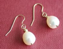 9MM WHITE FRESHWATER CULTURED PEARL DROP EARRINGS ON 9CT GOLD